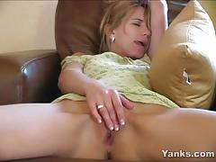 Milf sydney playing with herself