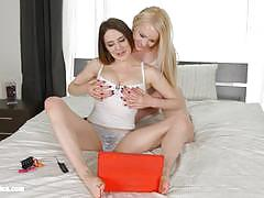 Internet love by sapphic erotica with lesbian hottie samantha bentley