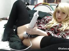 Blonde teen masturbating her clit with vibrating sextoy - olalacam