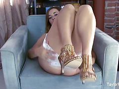 Kinky taylor vixen masturbates in white lingerie