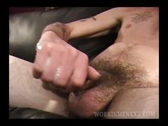 Mature amateur brett beating off