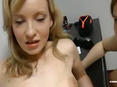 Amateur cuckold - er fickt ihre beste freundin sie schaut zu