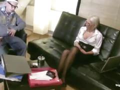 Deutsche milf lehrerin fickt jungen mit strapon anal