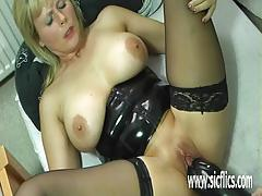 Colossal dildo fucking mature amateur masturbation