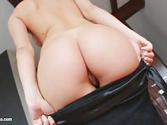 Betty l loves pussy pleasing on give me pink gonzo style