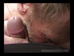 Mature amateur robert beating off