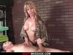 Scarlett gives sucker a rough handjob