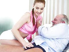 Older man getting his dick wet in a sexy brunette girl