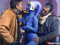 Hot hammering trio with alien eva lovia