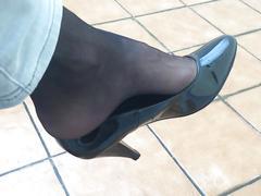 Black shoeplay