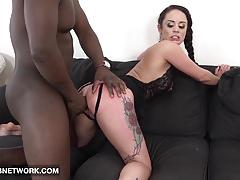 Amateur babe takes on big black cock