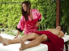 Olivia wilder does erotic massage! - massageparlor