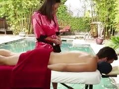 Olivia wilder does erotic massage! - massageparlor