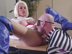Hottie peta jensen gets pleasured by bank robber