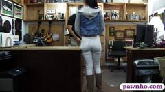 Amateur ghetto gets her pussy slammed by pawn keeper