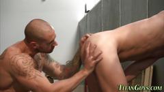 Muscled skinheads spunk