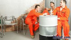 Horny dudes bang in the prison
