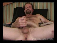 Mature amateur greg jerking off
