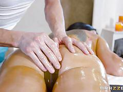 Dirty masseur's intentions are clear from the start of massage