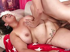 Chunky brunette takes thin guys big cock