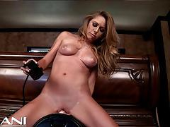 Horned up milf getting off hard on the sybian