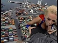 Kelly trump - supergirl