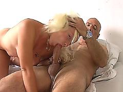 Threesome bisexual