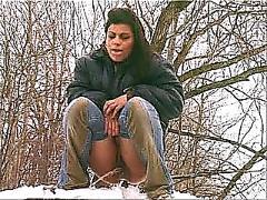 Outdoor-peeing 2