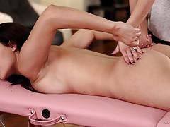 Massage fun with valentina nappi and serena blair