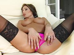 Brunette eliza toys her warm pussy