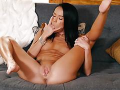 Solo masturbation with naked hottie megan rain