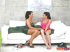 Kinky milf and teen lezley zen and kymberlee anne munching muff