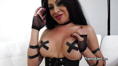 Tranny cummed on her own face