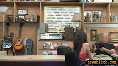 Hot amateur woman railed by pawn keeper at the pawnshop segment