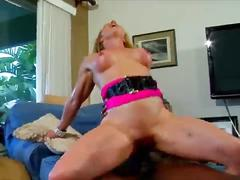 Black cock makes me squirt