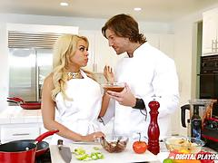 Hot pussy cooking with luna star and aria alexander