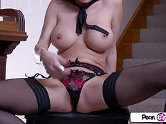 Gorgeous jessica gets naked and masturbates