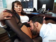 Asian office babe fucked in pantyhose