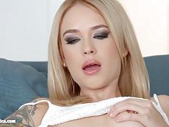 Arteya licks and kisses yasmin scott
