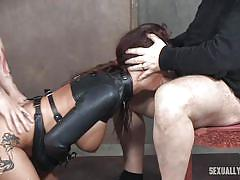 Syren pleases her masters