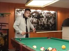 Im billiardzimmer gevögelt - hard fuck on pooltable