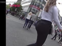 Giant boobbs in street