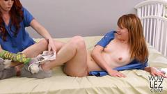 Elle alexandra and claire robbins fingering each other