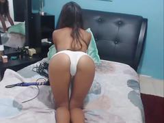 Jovencita teasing titis & panties