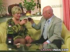 Chubby granny gets pounded in stockings