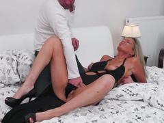Hot mature mom suck and fuck big cock
