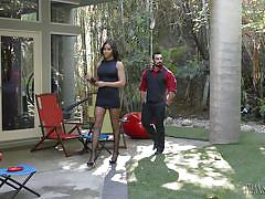 Real estate agent in a miniskirt throat fucked by jaxton wheeler