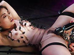 Obedient asian slave lost in electro pleasure