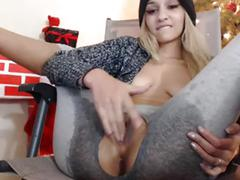 1 hour of a hottie banging her pussy and squirting like a nynpho xxxcamchickss.com