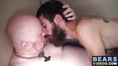 Big fat bear doug gets barebacked by skinny mature dude